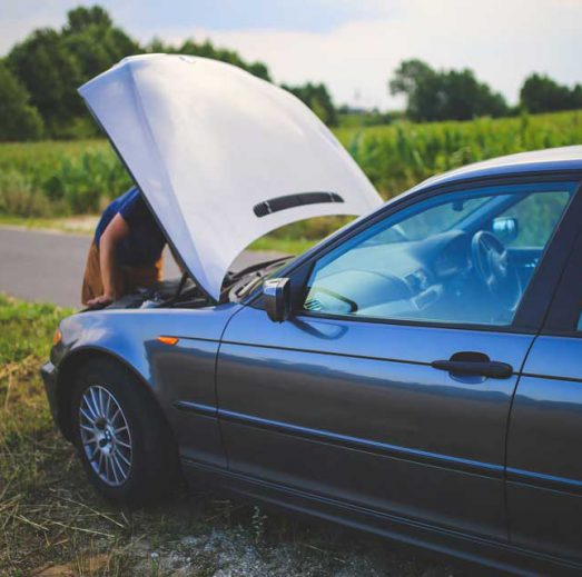 Few Essential Tips on How to Handle a Vehicle Breakdown